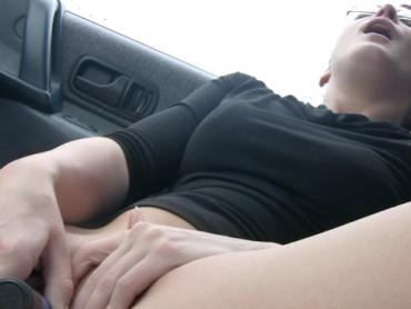 Horny girlfriend masturbating in the car for her boyfriend